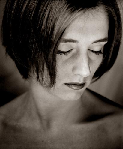 March 3, 1972 - June 25, 2009 Suicide by Hanging https://en.wikipedia.org/wiki/Yasmine_(singer)